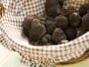 paniers-proposes-a-la-vente-dans-le-marche-aux-truffes